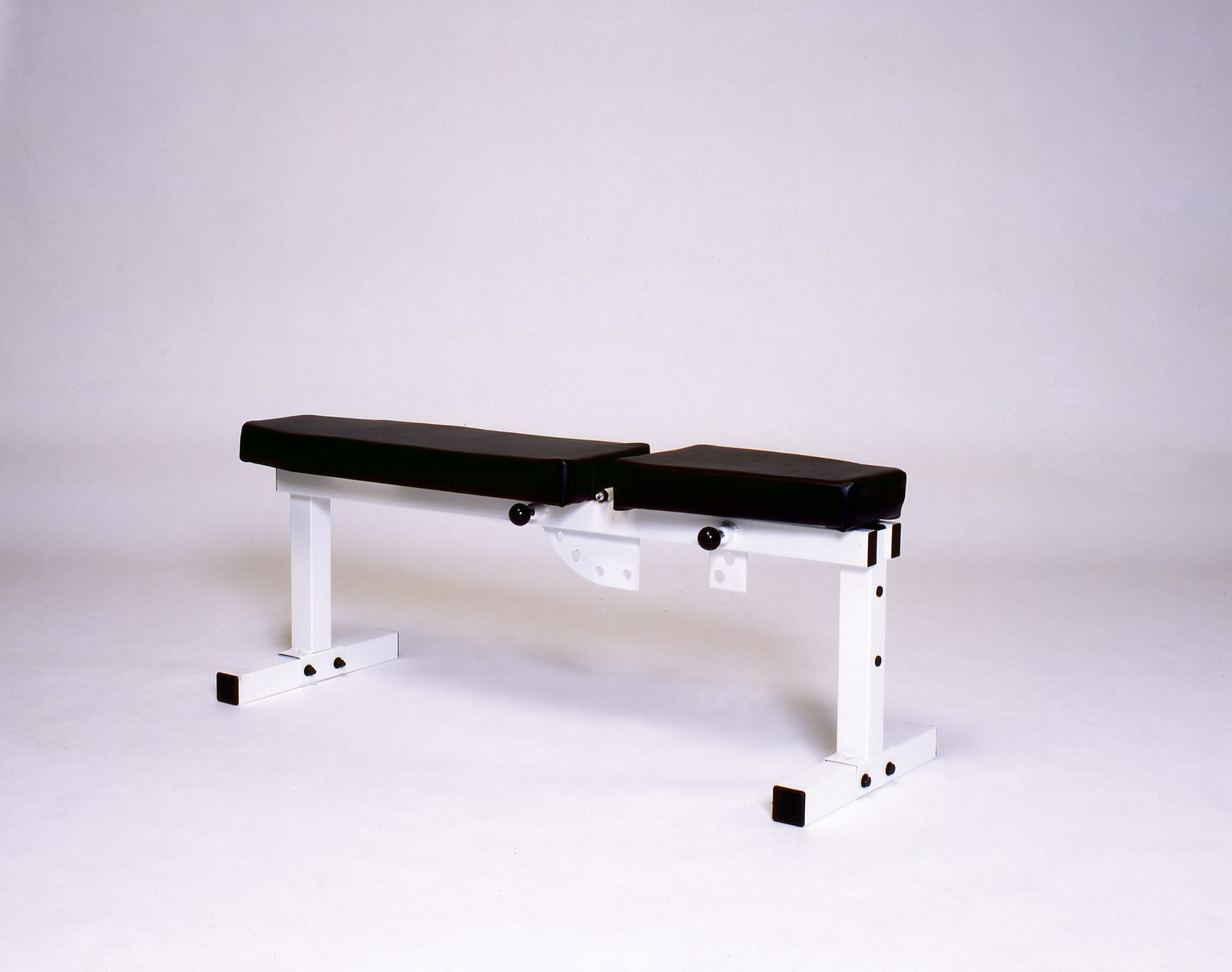 Pro Series Adjustable Bench 305 Bench Press Machines